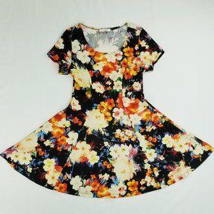 I Joah Sz Small Short Sleeve Knee High Flare Dress